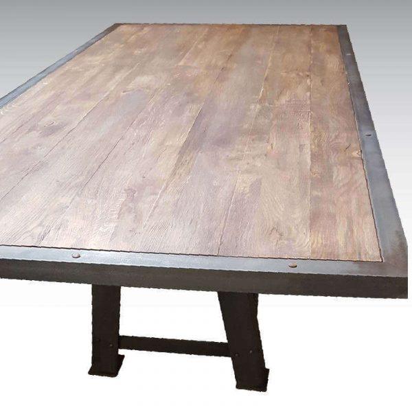 Table haute industrielle pied Eiffel plateau bois ciré