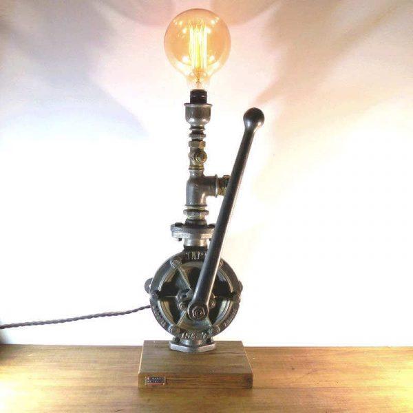 Lampe design steampunk tactile