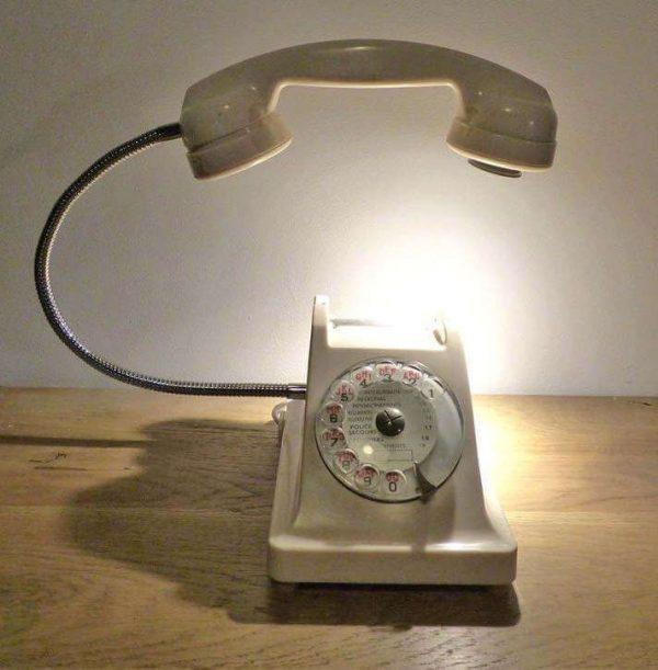 Lampe-téléphone blanc vintage