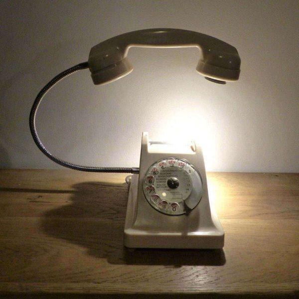 Lampe téléphone vintage blanc