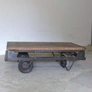 ancien chariot d'usine table basse