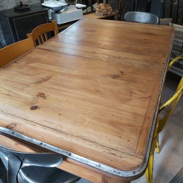 table de campagne plateau bois cerclage alu pieds acier