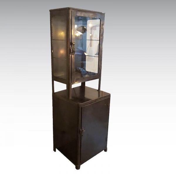 ancien meuble de metier vitrine medicale
