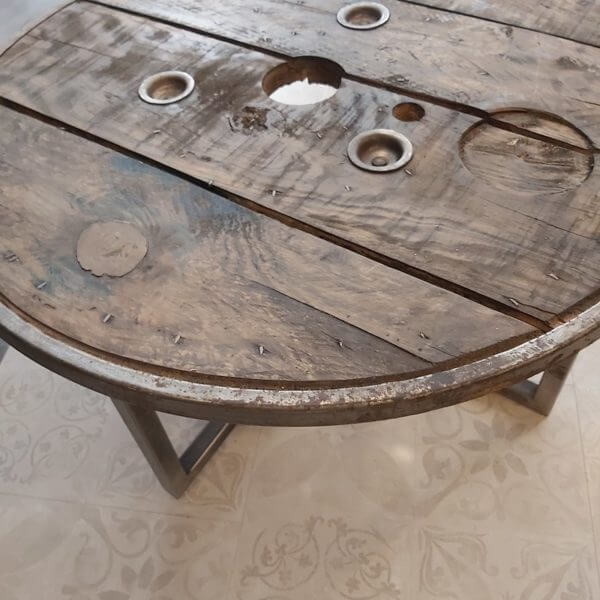 table basse touret plateau sapin cerclage metallique