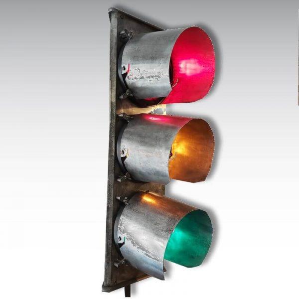 feu de signalisation tricolore décapé ciré